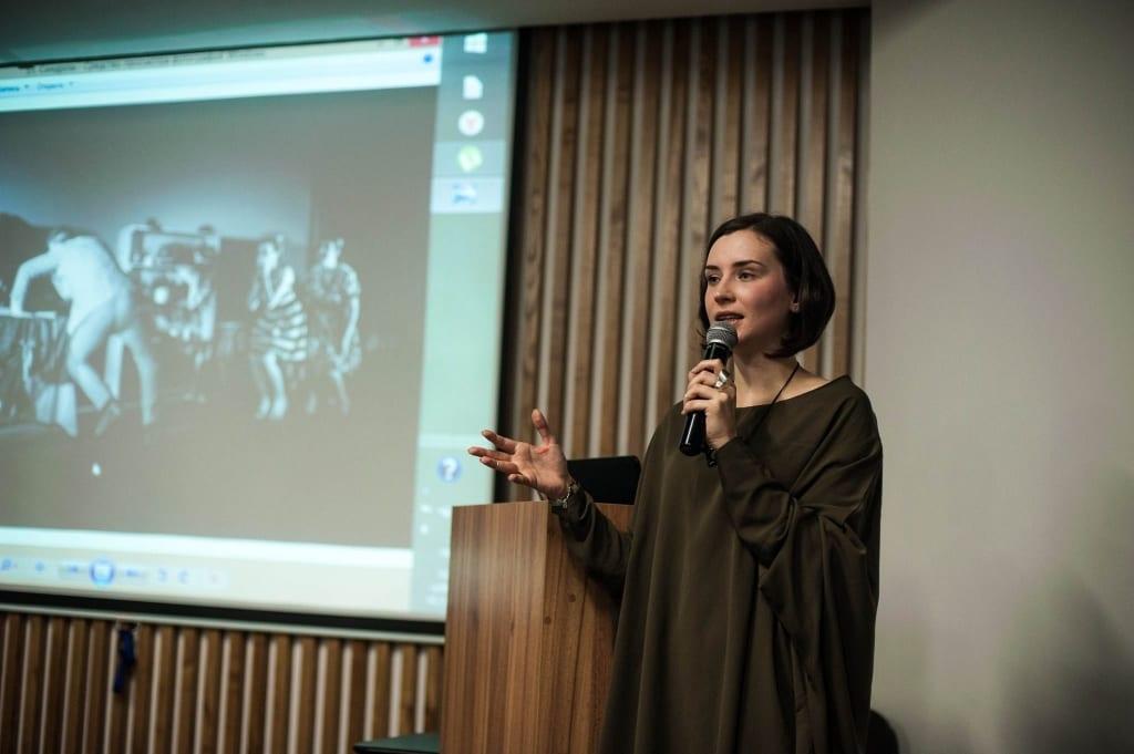Лекція про театр під час фестивалю CodaFest