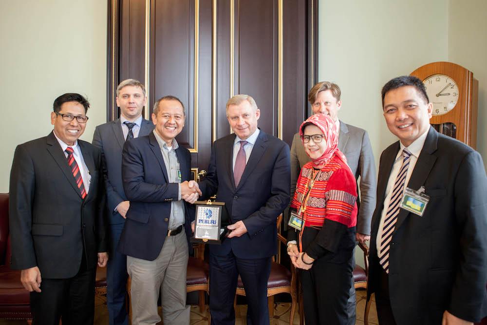 Індонезія хоче залучити НБУ до випуску власних національних грошей