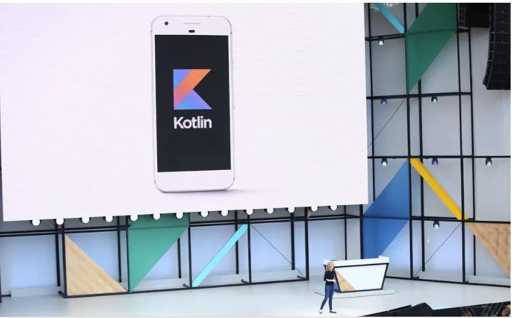 Google zobov'jazalasja pidtrymuvaty novu movu programuvannja Kotlin