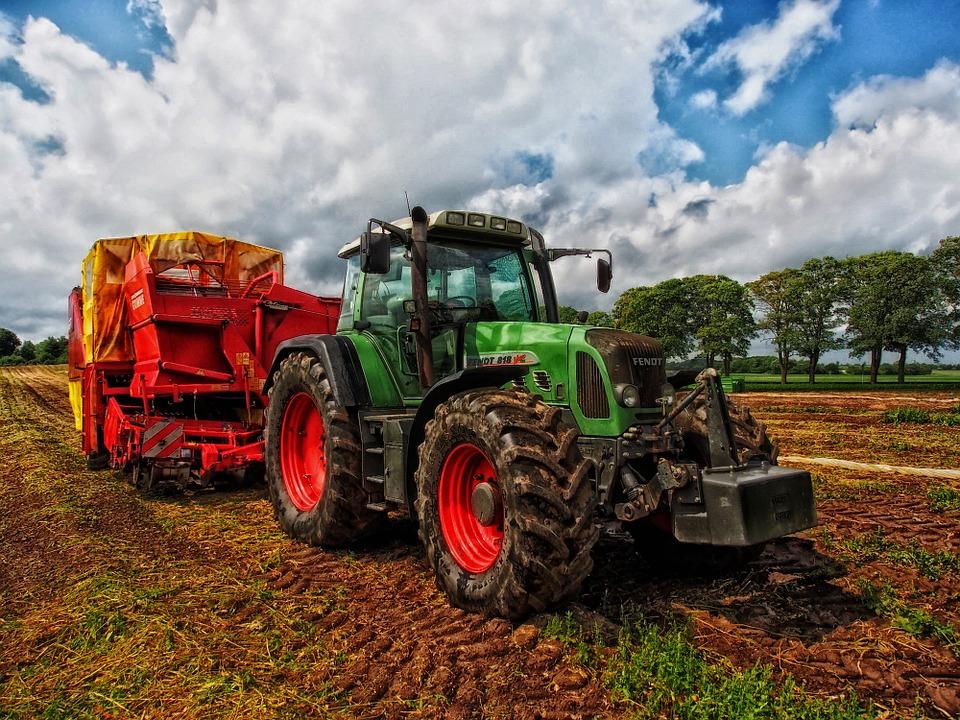 Український сайт допоможе орендувати техніку для аграріїв