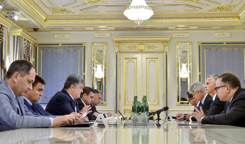 Ukraїna i Švejcarija pidpysaly dogovir pro bezviz