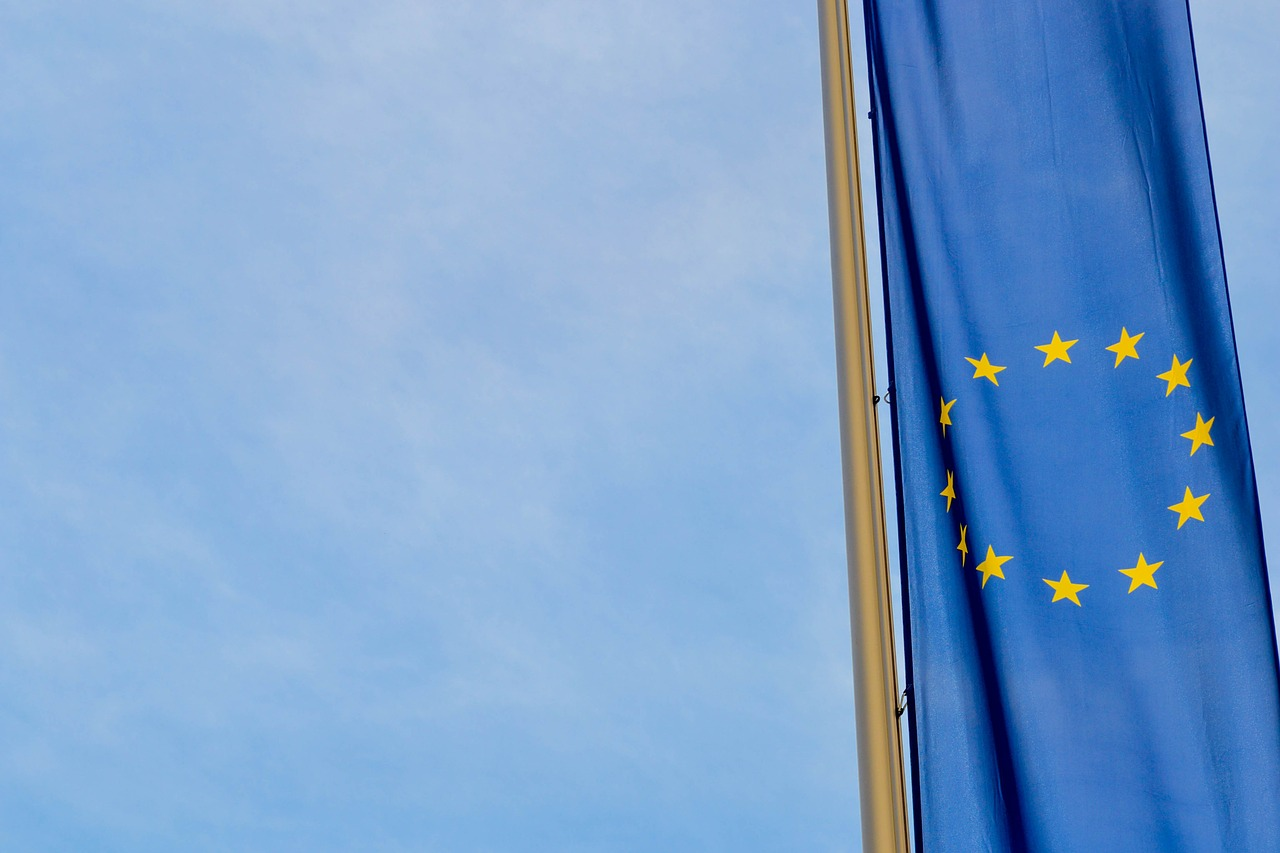 Від диктатури до нових паспортів — хронологія отримання безвізу із ЄС