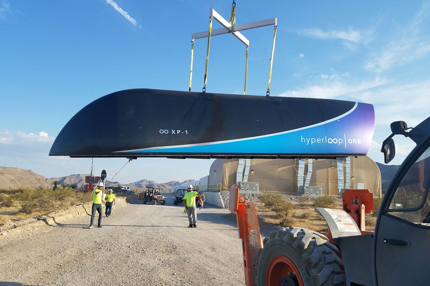 Вакуумний поїзд Hyperloop пройшов перші випробування
