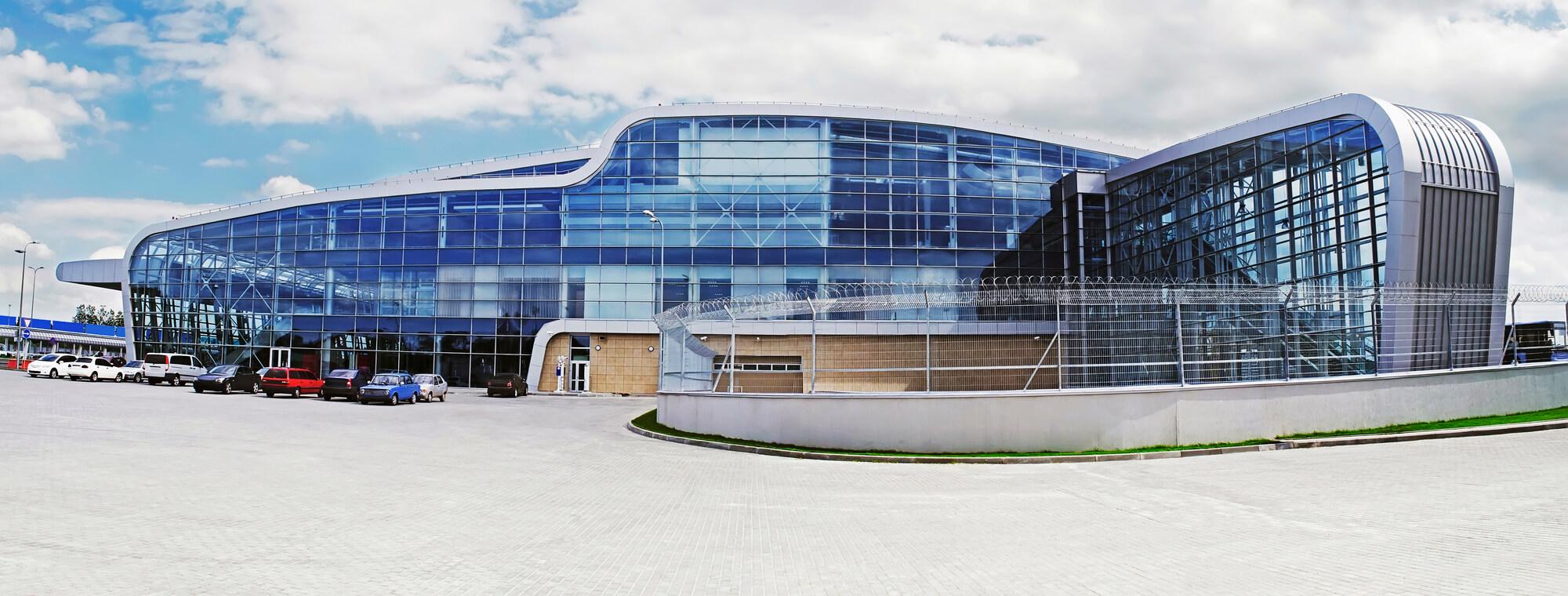 Львівський аеропорт перевіз на 52% більше пасажирів