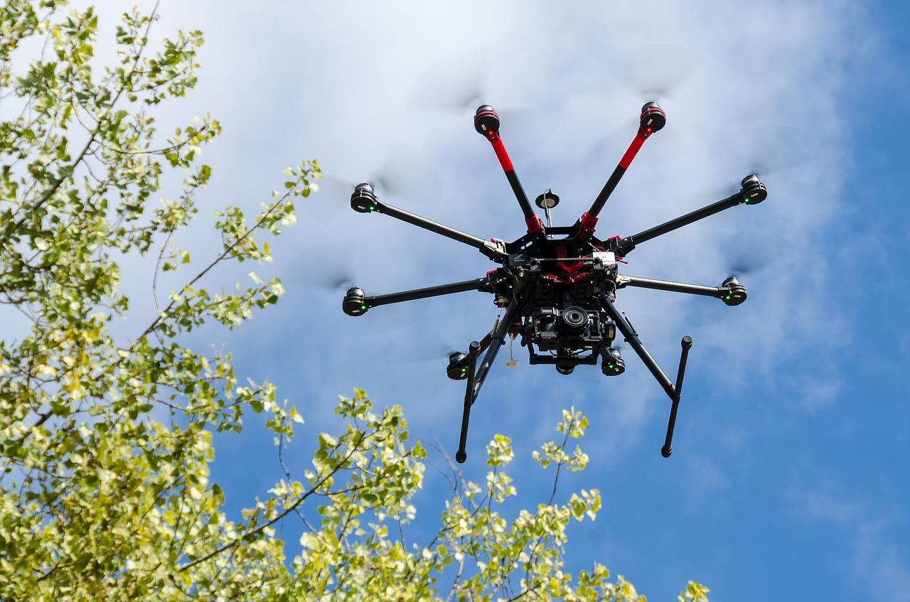Jak pravyľno volodity ta keruvaty dronom v Ukraїni