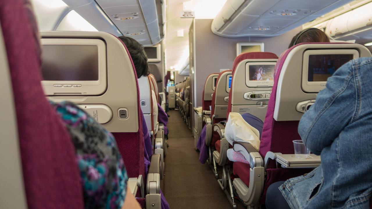 «МАУ» підключить пасажирам бортовий інтернет