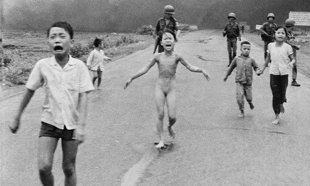 Фото американського кореспондента Ніка Ута. Діти та напалм, війна у В'єтнамі, XX ст. © Nick Ut/AP Photo