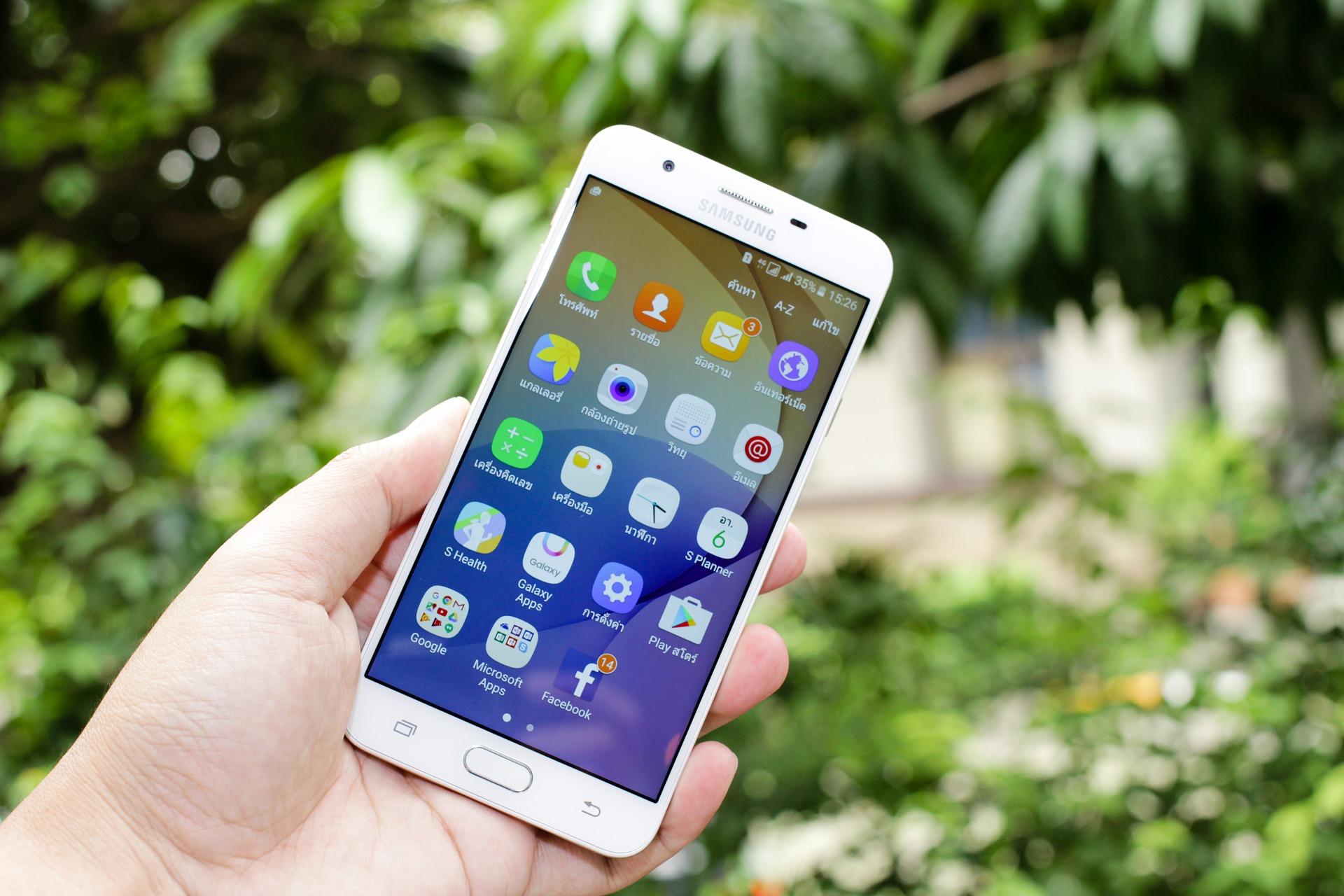 Samsung «обігнала» Apple наринку смартфонів Східної Європи