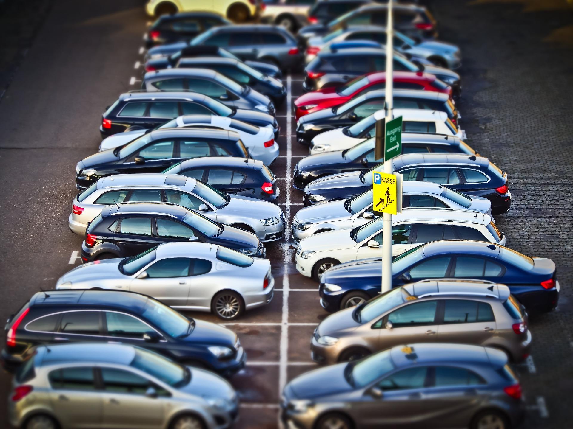Київ переходить на безготівкову оплату парковок