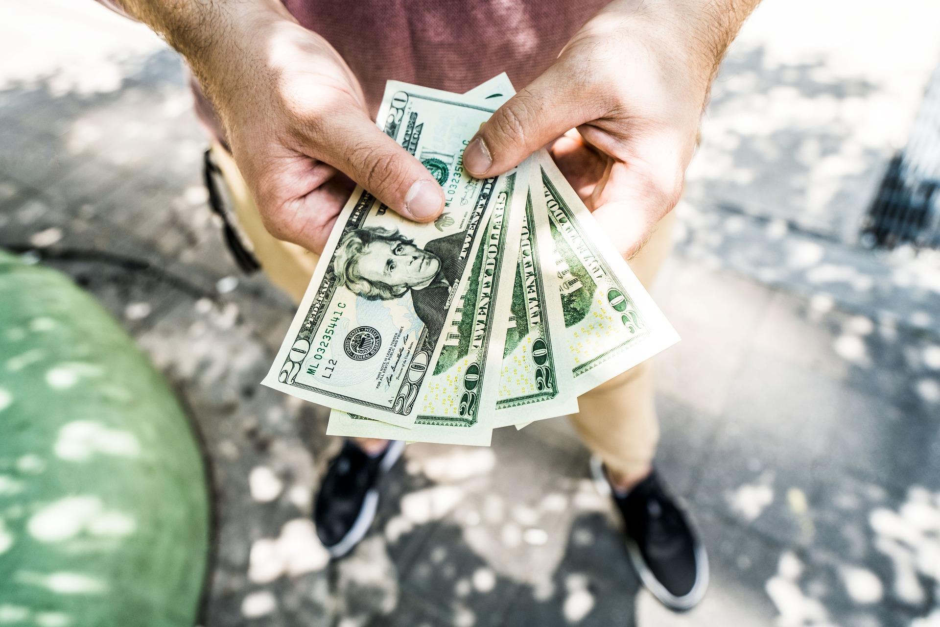 Нацбанк скасовує обмеження на використання валютних рахунків