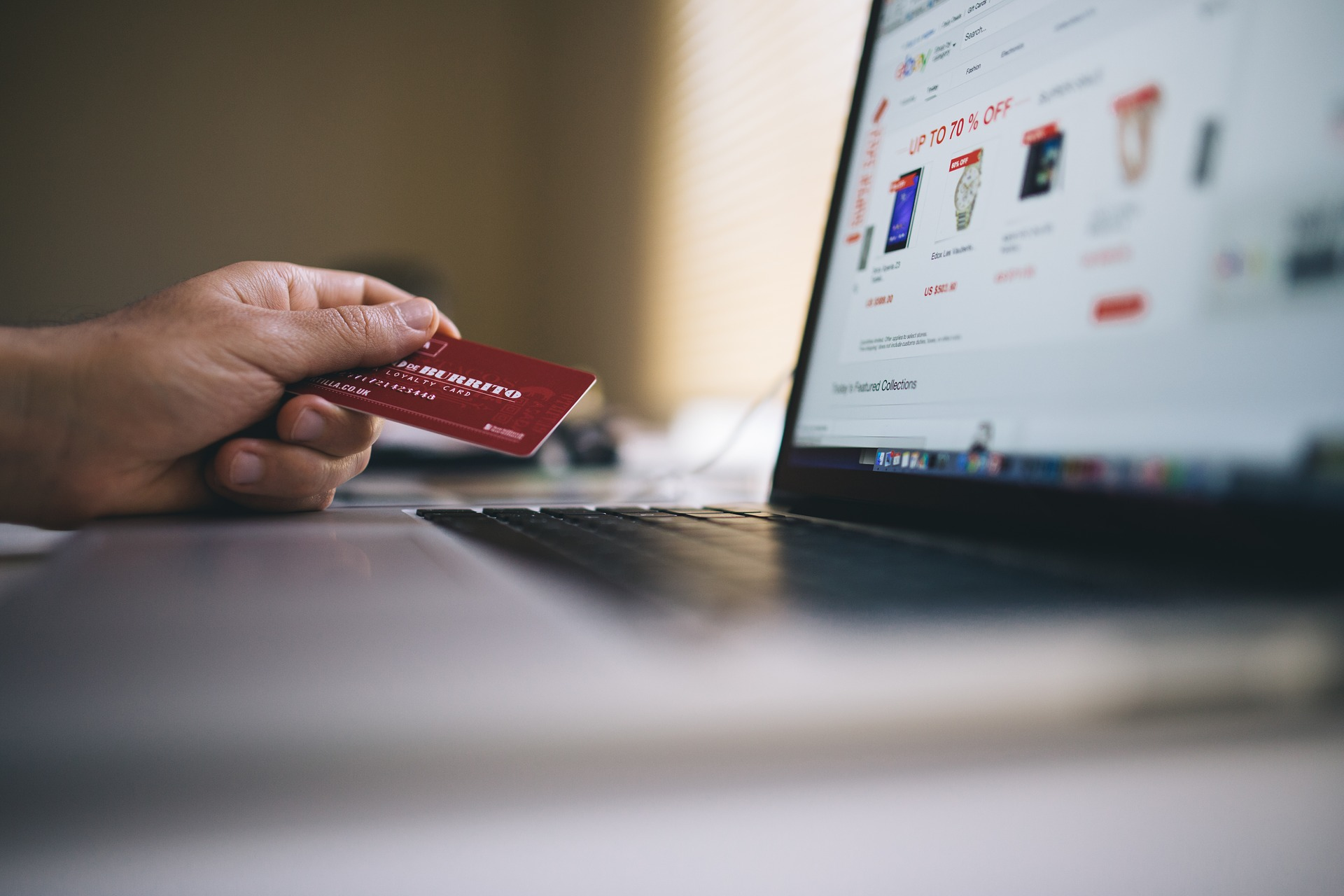 Opryljudneno obsjag ukraїnśkyh onlajn-vytrat na pokupky za I pivriččja 2017-go