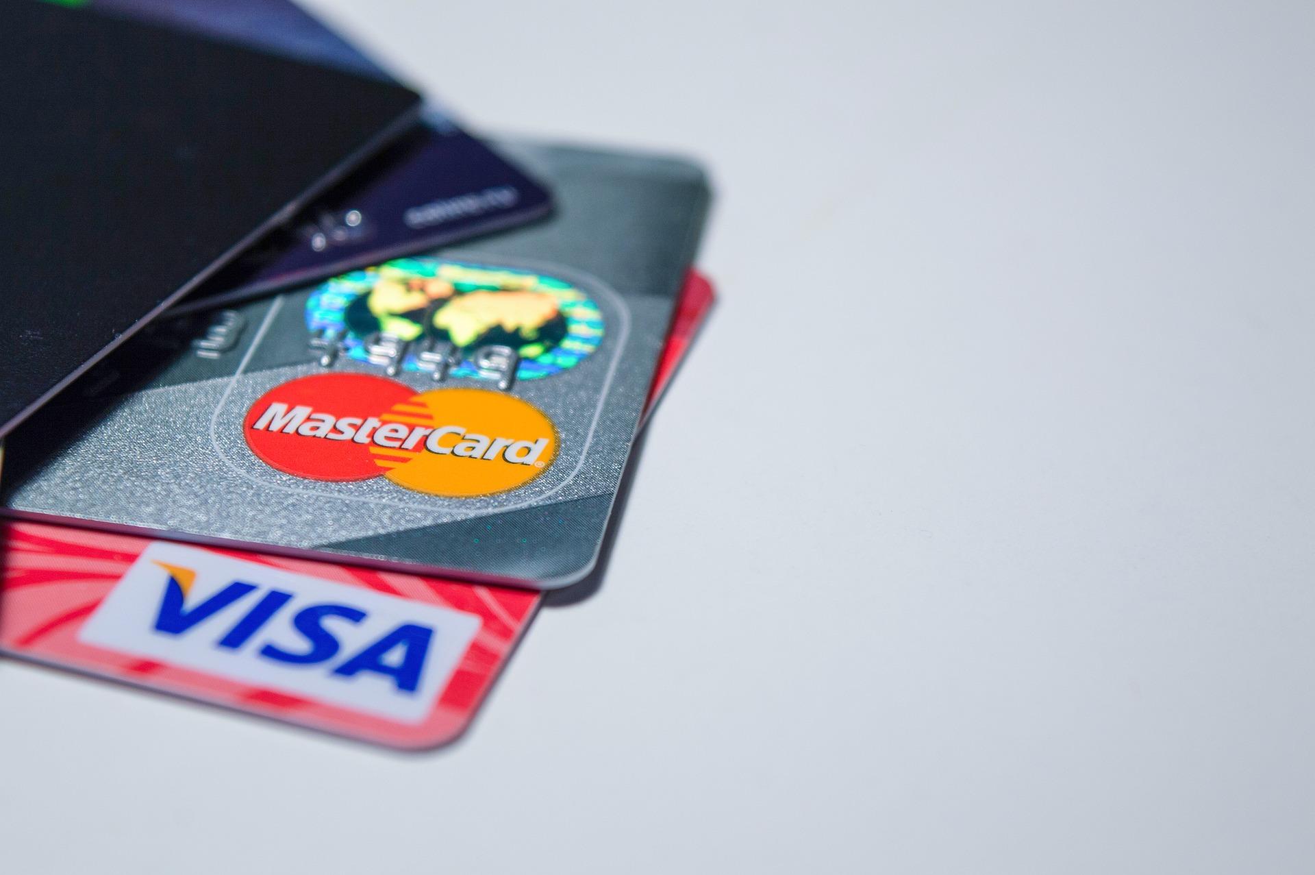 В Україні зросла частка безготівкових платежів