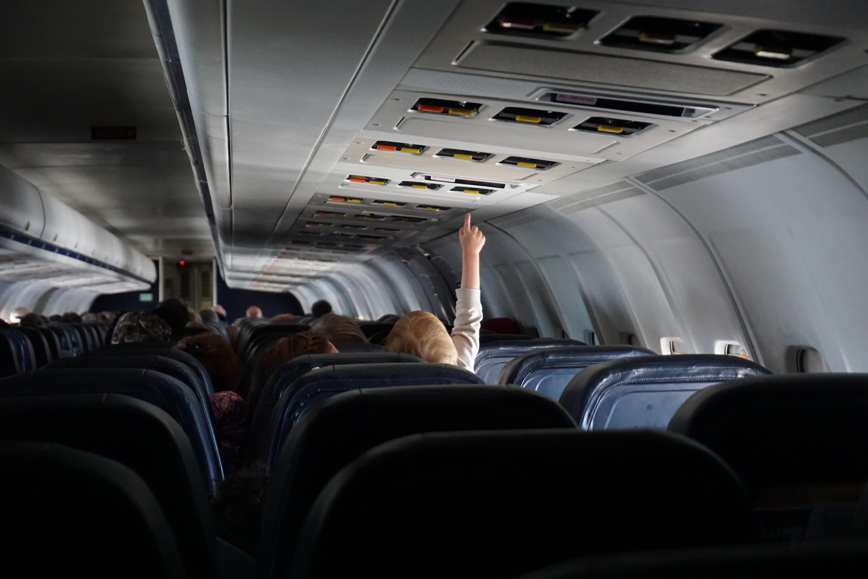 В Україні зміняться правила перевезення дітей в літаках