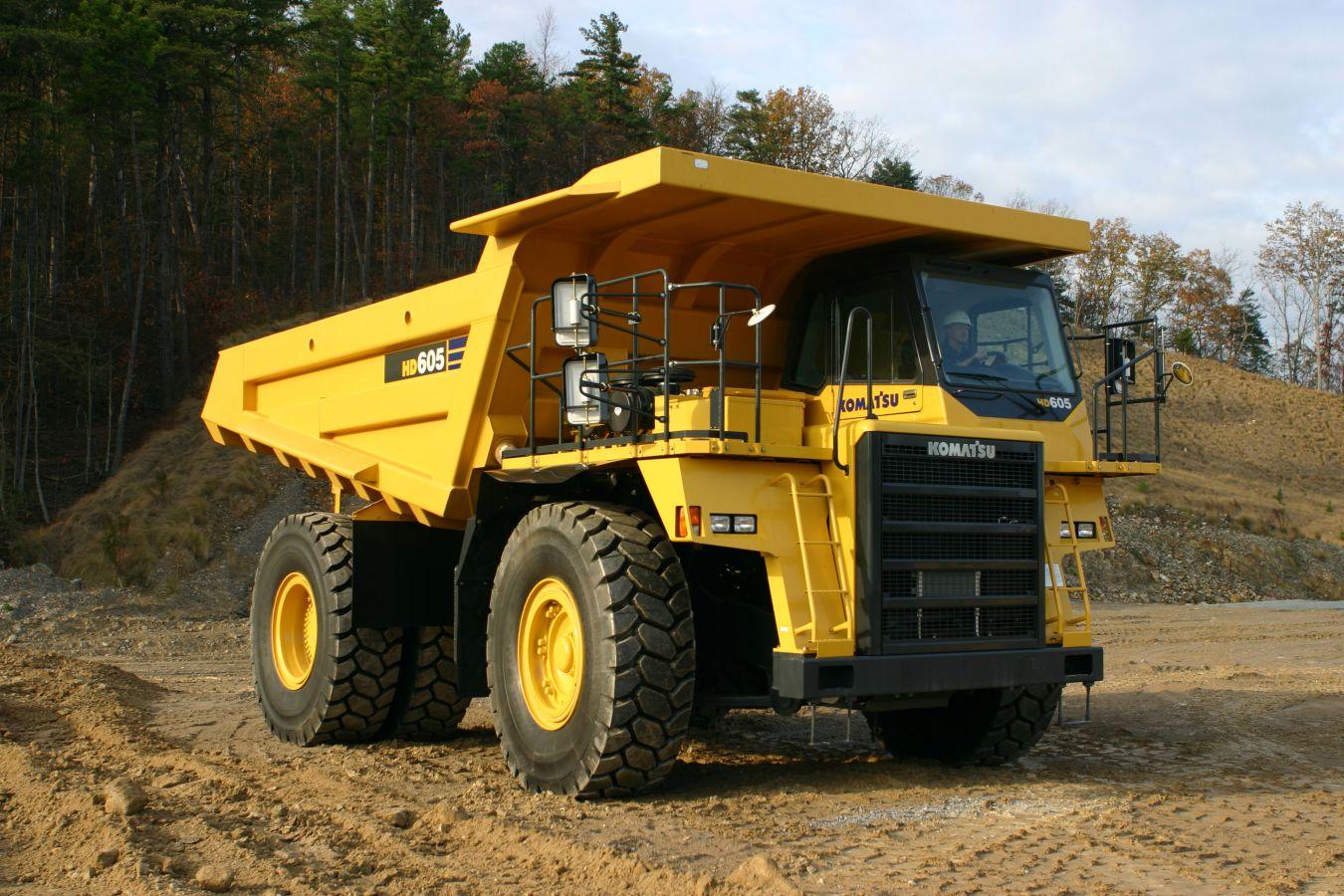 В Швейцарії представили найбільший електромобіль вагою 45 тонн