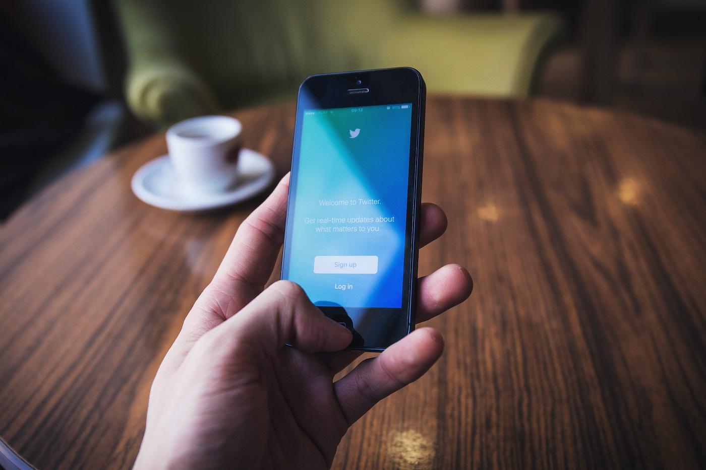 🗣 Twitter видалить твіти про 5G, що можуть завдати шкоди та нести дезінформацію