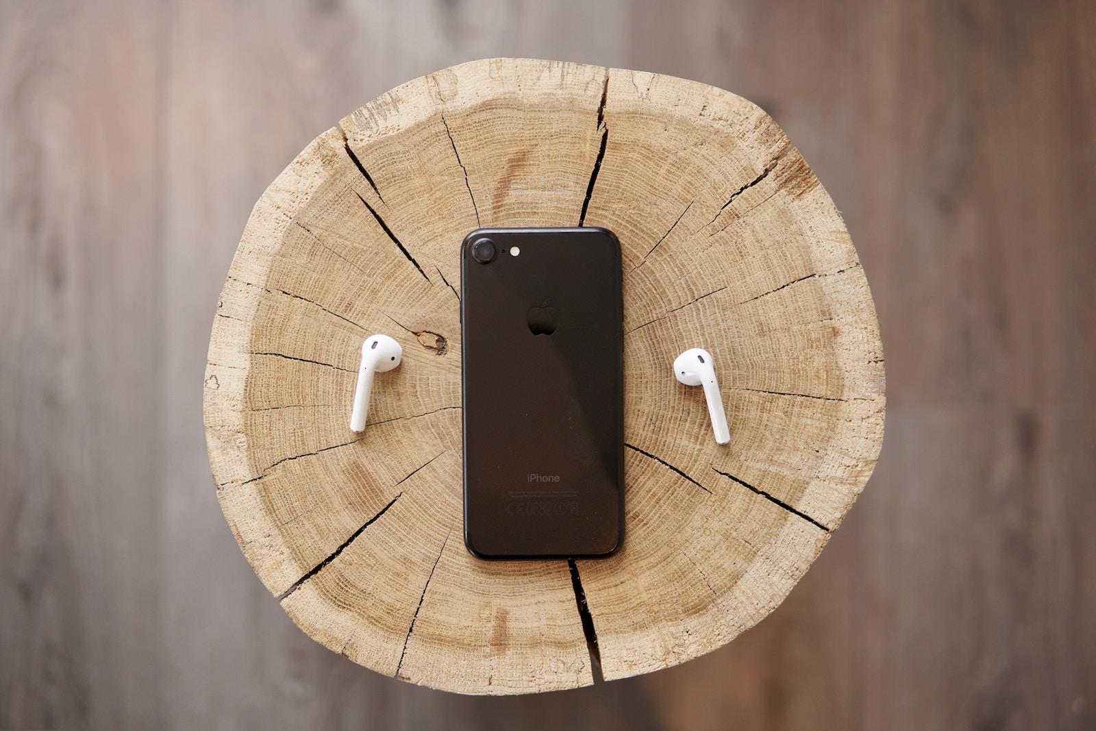 De, jak i koly dyvytysja prezentaciju novynok Apple ta čogo čekaty