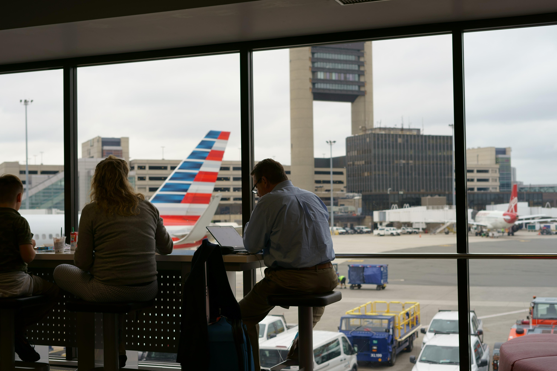 Aviakompaniї ta aeroporty svitu investujuť $33 mlrd u IT