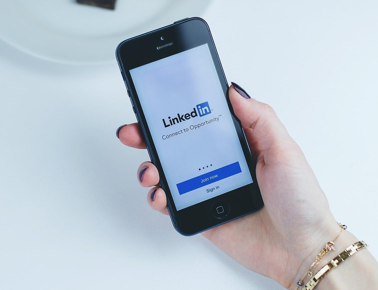 📱 LinkedIn planuje zapustyty storiz