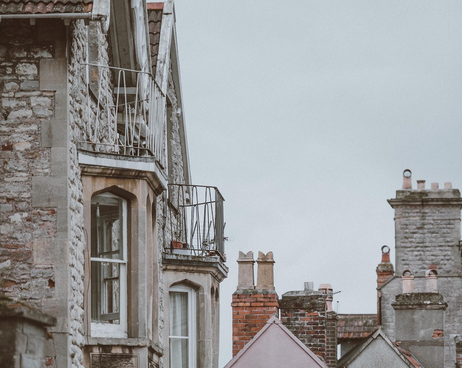 Kyjanam proponujuť pozbutysja zasklenyh balkoniv