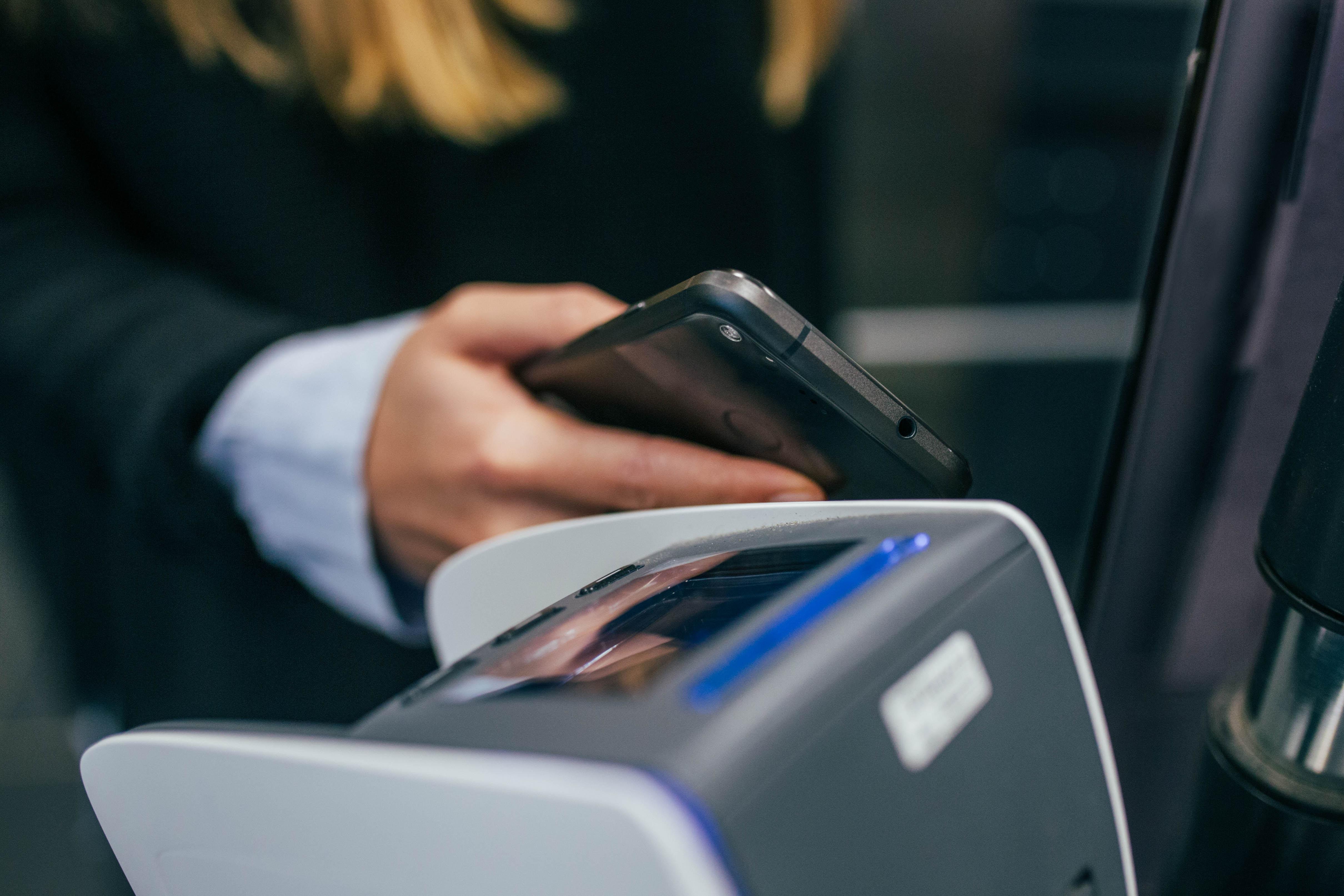 Android Pay запустили в громадському транспорті Житомира