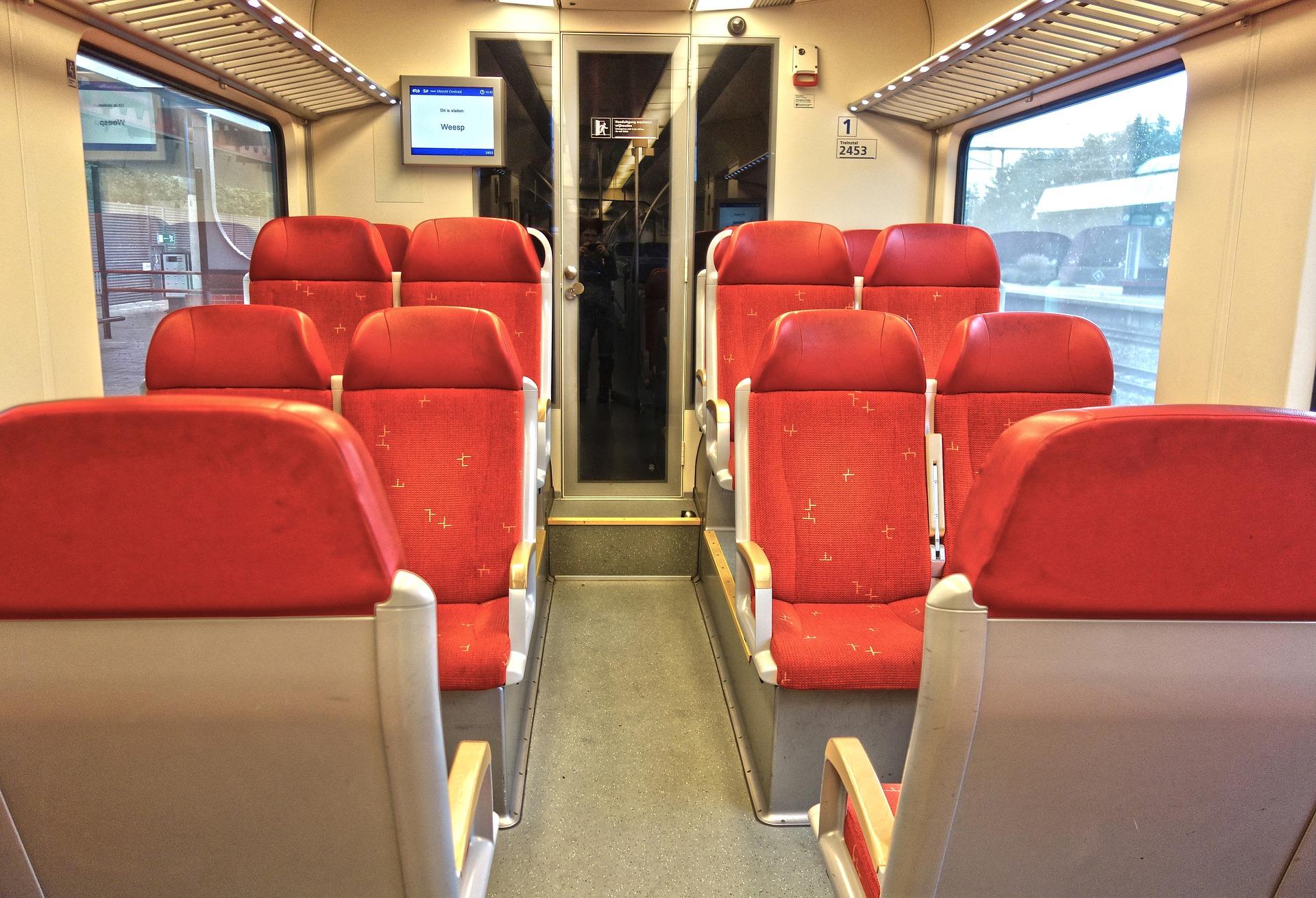 Двоповерховий потяг Skoda з'єднав Тернопільз Києвом