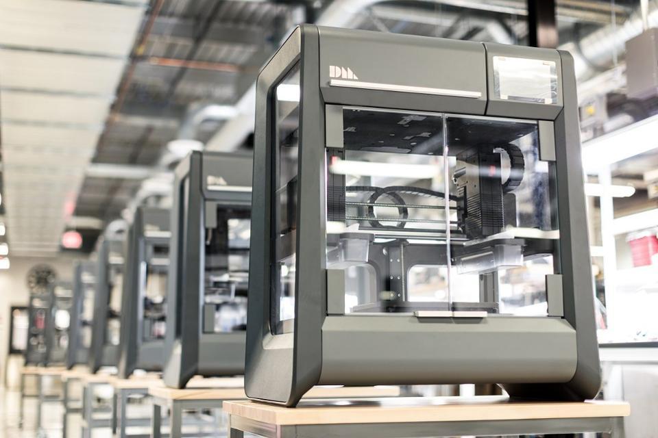 Стартап із США почав продавати 3D-принтери, що друкують металеві деталі