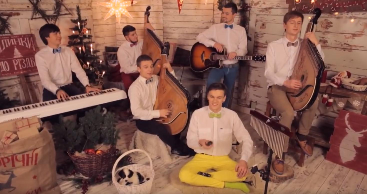Jingle Bells на кобзах набрав 1 млн переглядів у YouTube