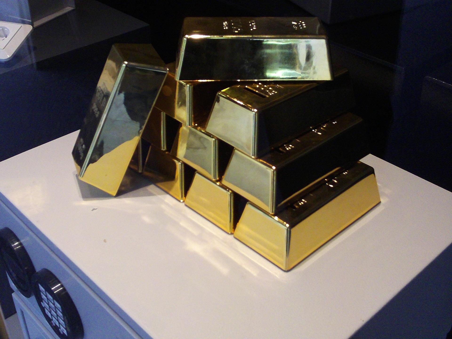 НБУ спростив перетин митниці з дорогоцінними металами