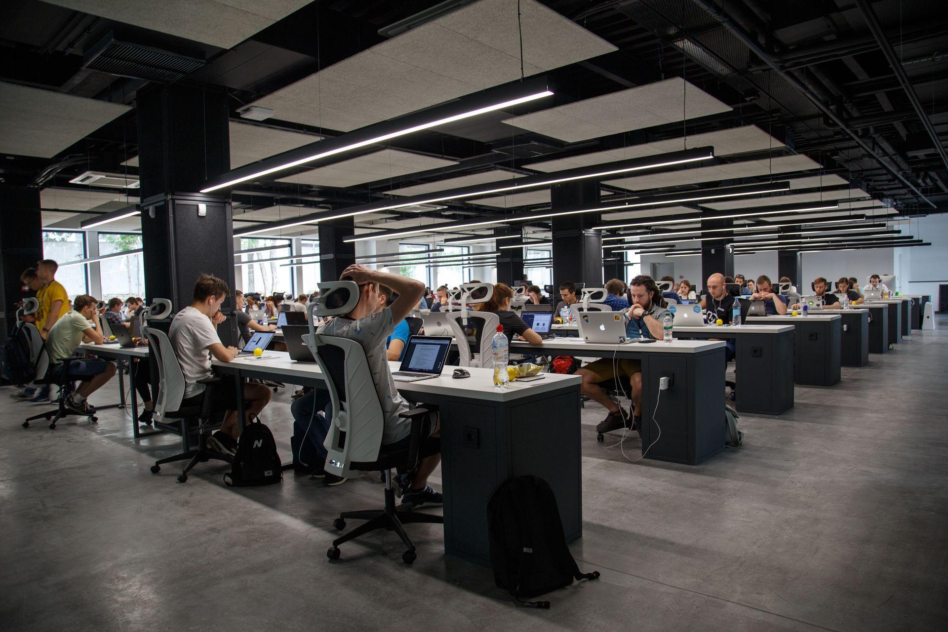 Facebook відкриє навчальні центри в Європі