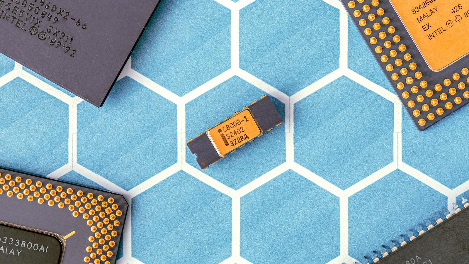 «Процесорґейт» — все про Meltdown, Spectre та вразливість «заліза» Intel