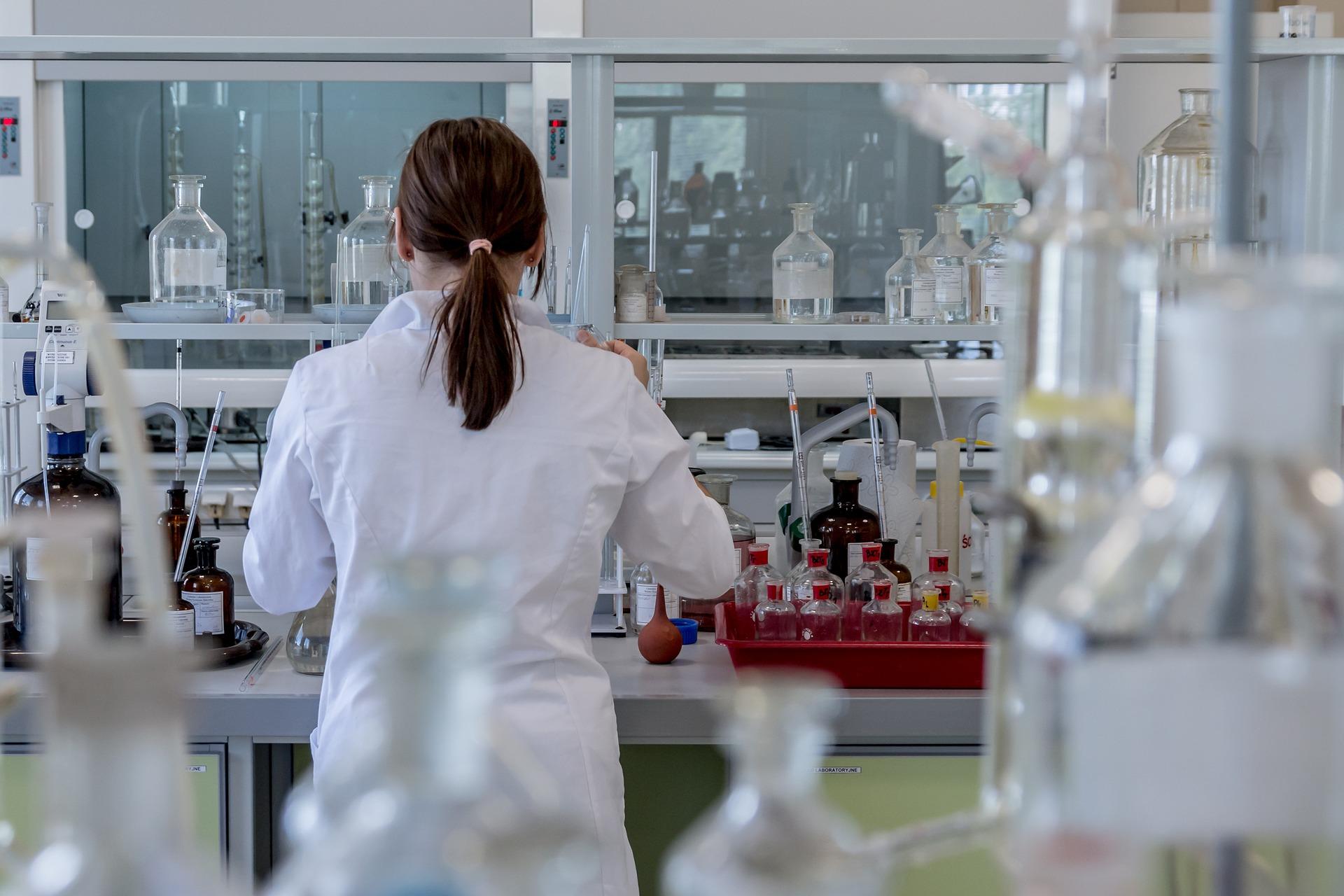 Лабораторії в Україні переходять на міжнародні стандарти