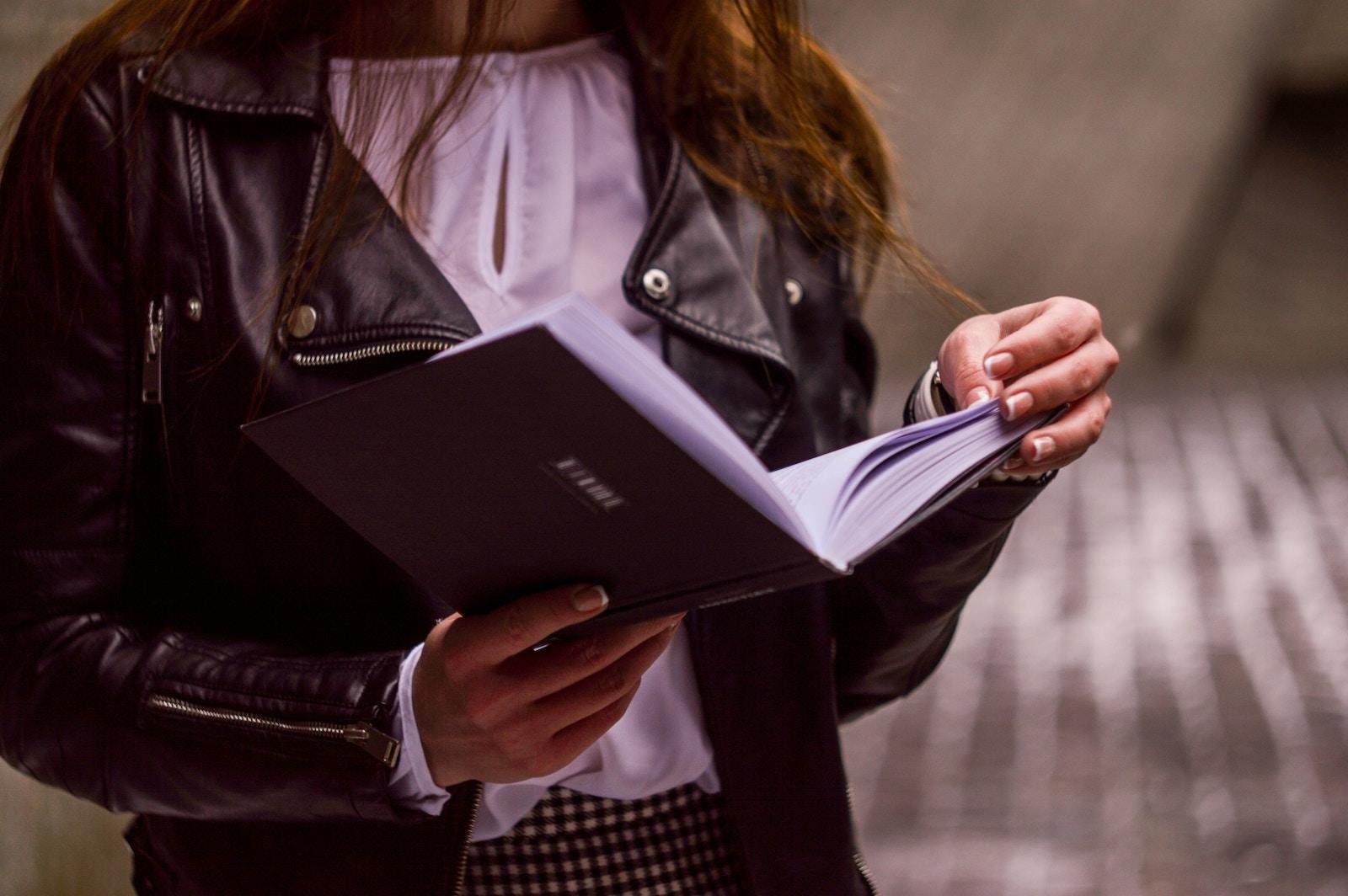 17 knyg, jaki radjať čytaty ukraїnśki urjadovci