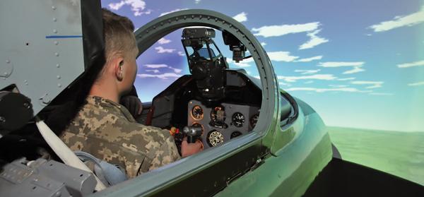 Українські пілоти навчаються віртуально виконувати бойові завдання