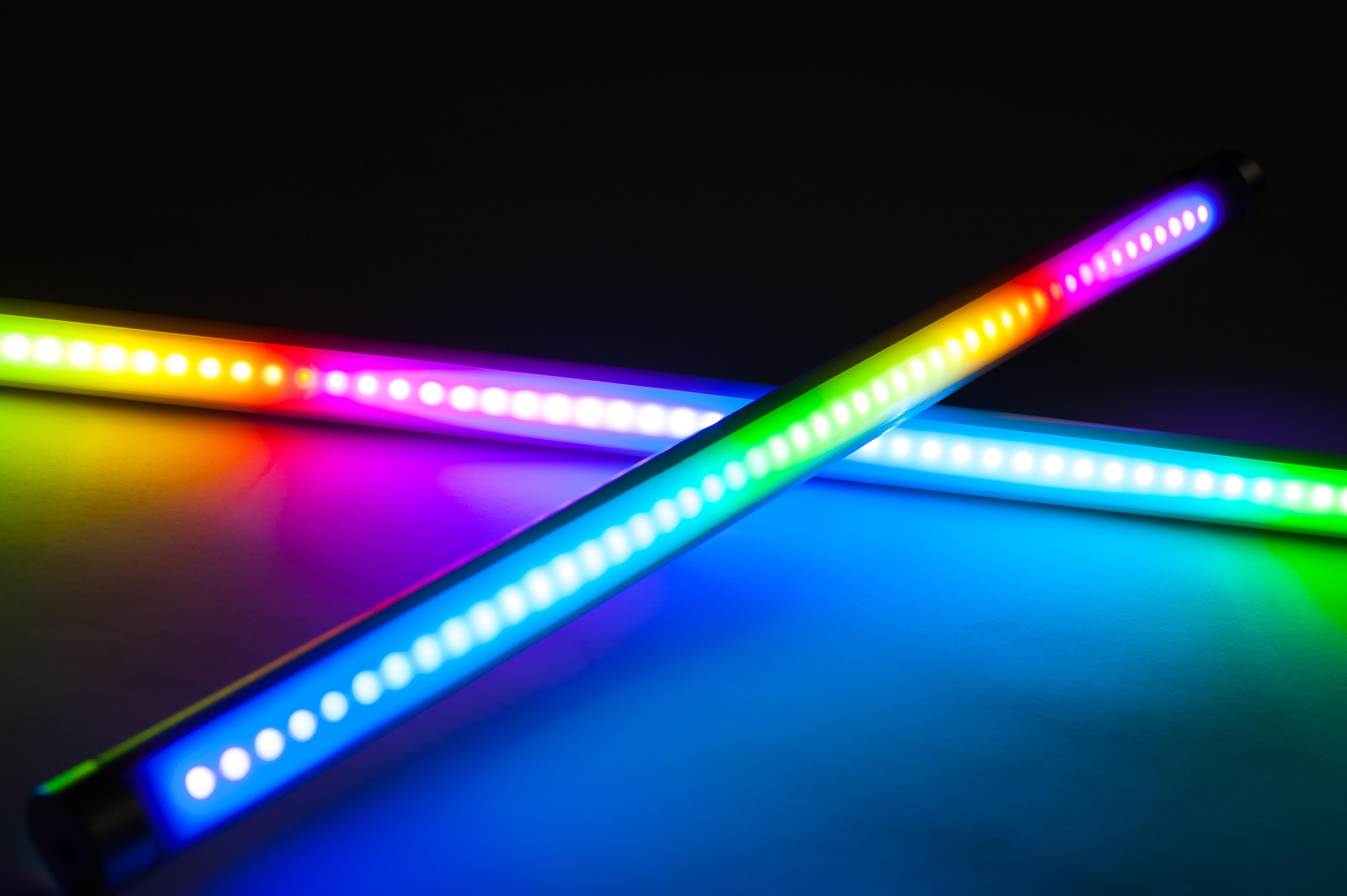 На вечірку, у похід, під воду: засновник UniColor — про свій винахід для кольорового освітлення