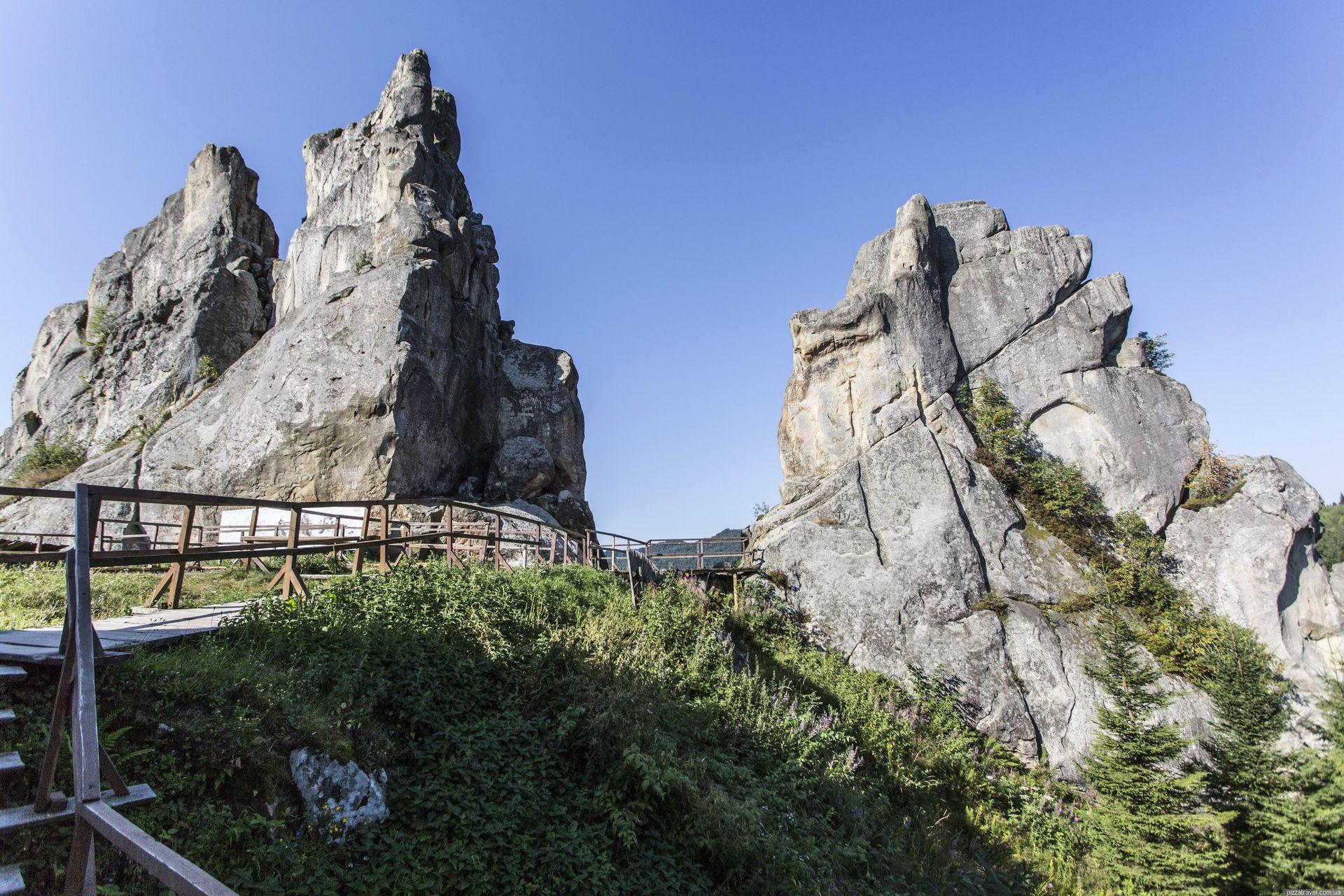 Зруйновану фортецю в Карпатах можна побачити завдяки мобільному додатку