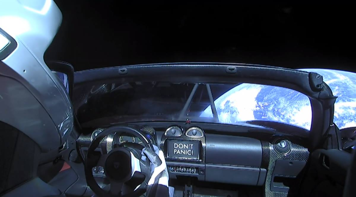 «Bog u mašyni» — 7 kuľturnyh symvoliv, jaki Ilon Mask vykorystav dlja Falcon Heavy