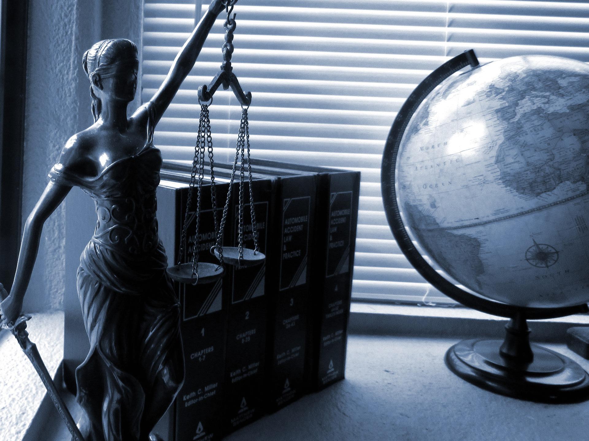 De jure: bjudžet, medreforma ta inši zakonodavči zminy ostannih 7 dniv