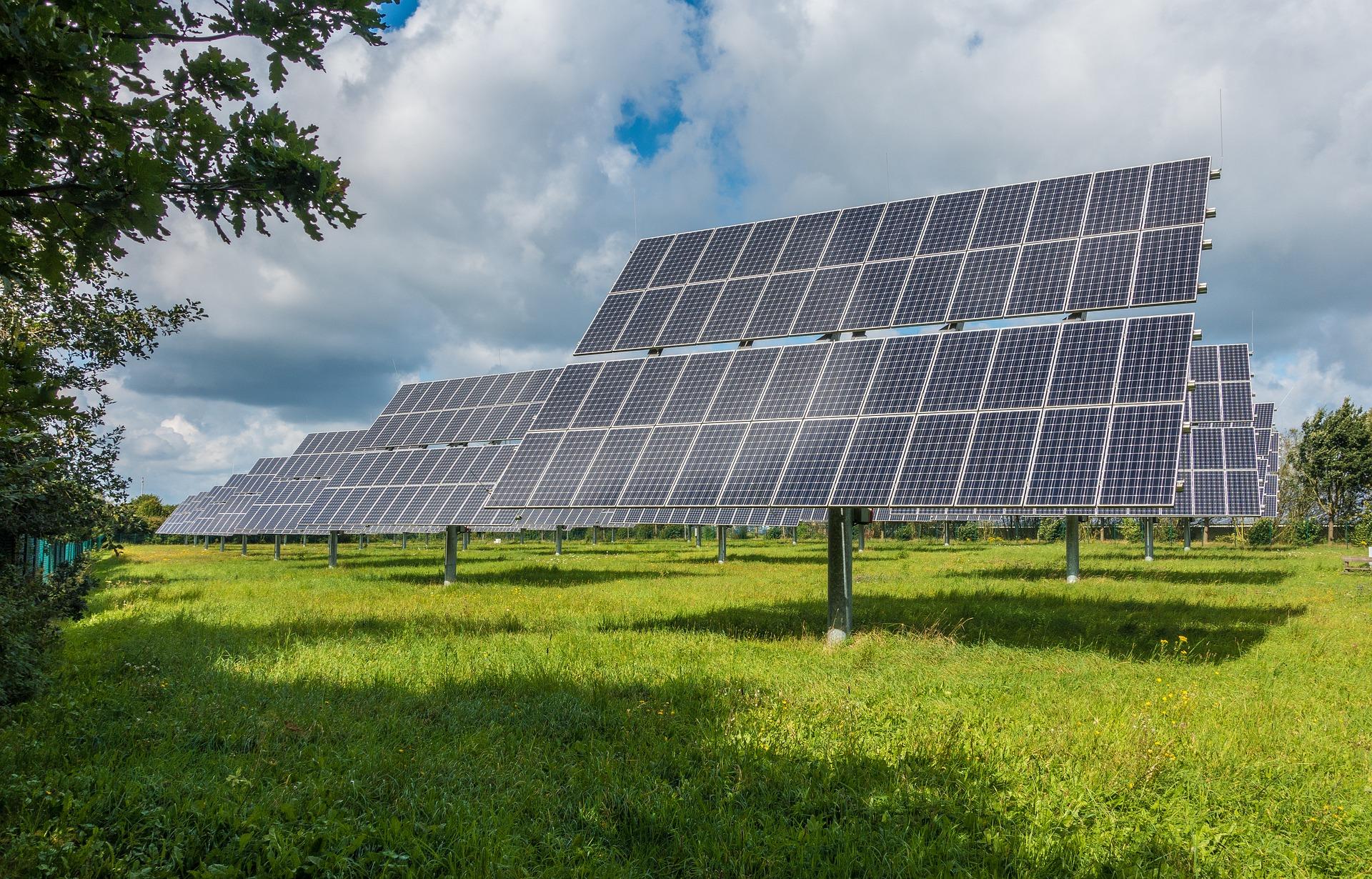 Оприлюднено показники інвестування українців у будівництво сонячних електростанцій