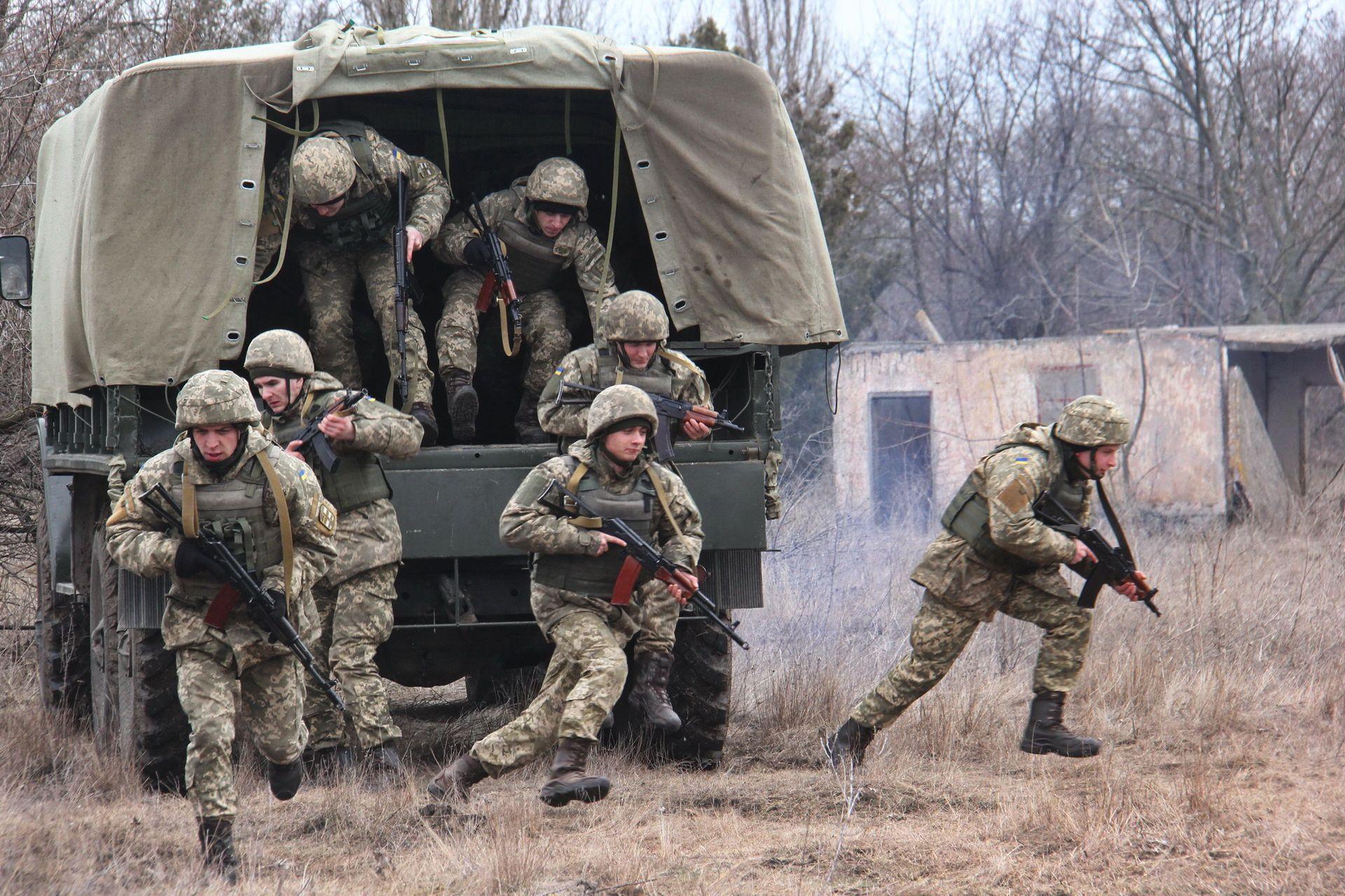 Армія за 7 днів: протиснайперські комплекси та співпраця з Кувейтом