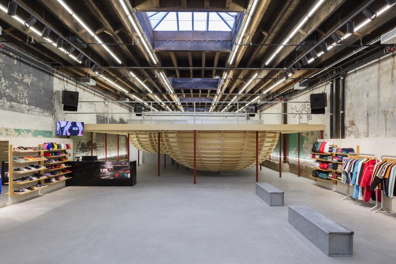 Магазин Supreme з скейт-парком всередині, Бруклін