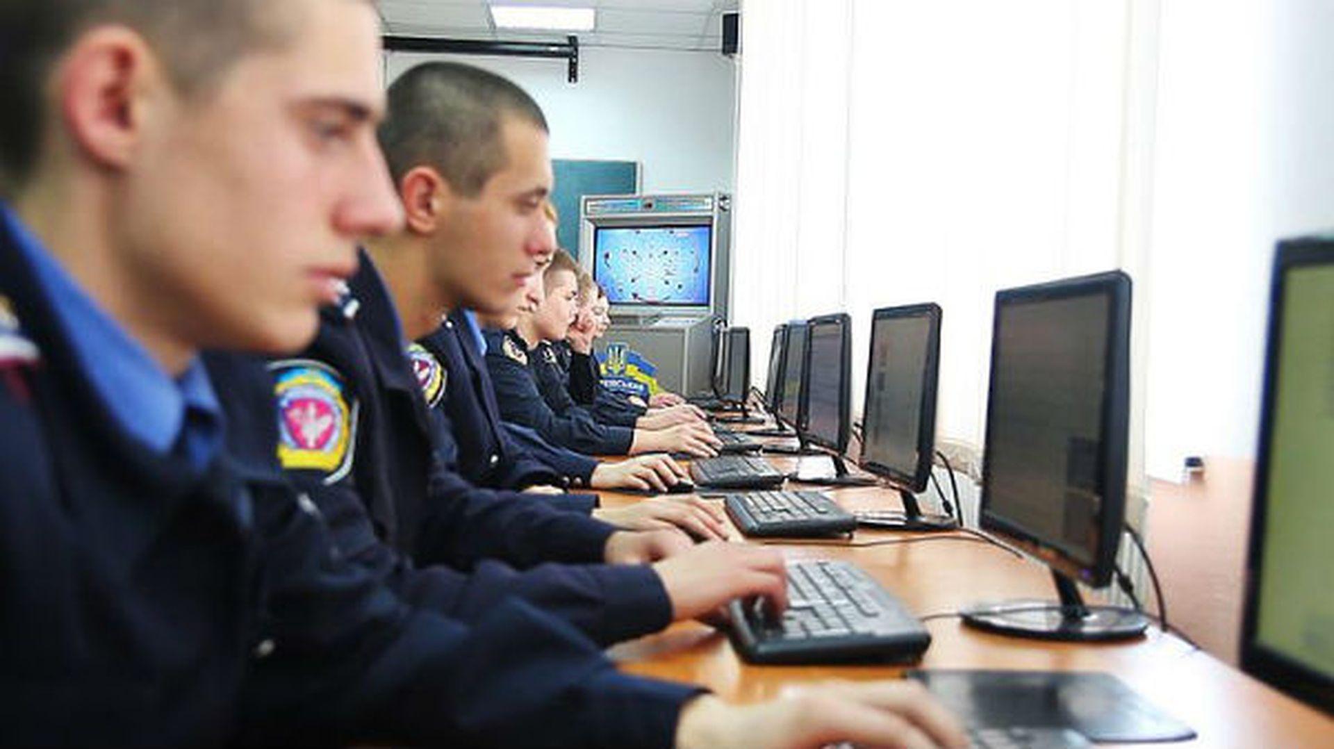 Вісник кіберкопів: викрили хакерів, припинили роботу онлайн-казино та інші здобутки тижня