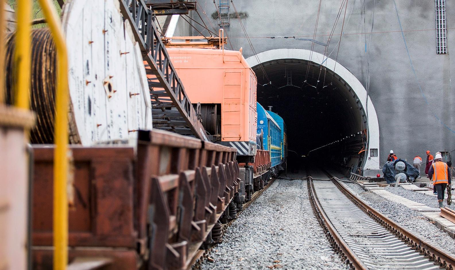 Za deń do Jevropy — ščo varto znaty pro Beskydśkyj tuneľ i čomu ce važlyvo