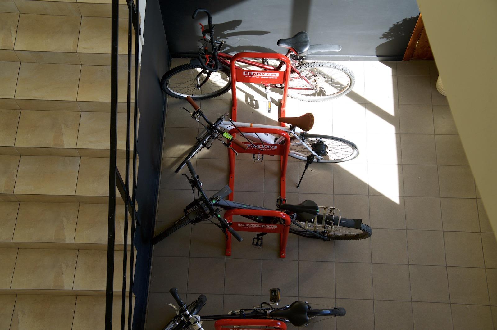 Паркування велосипедів у вінницькому офісі Astound Commerce