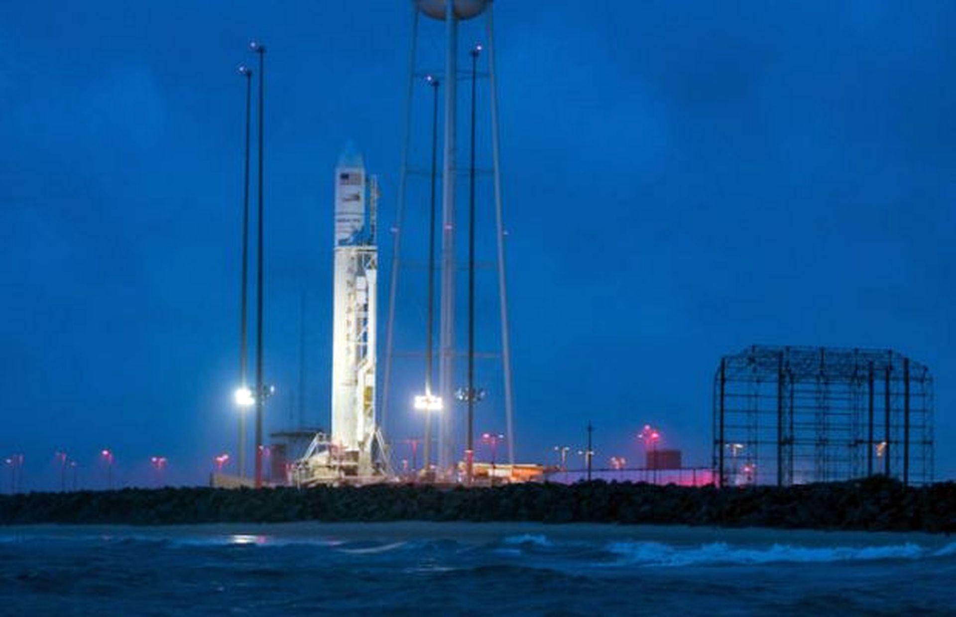 NASA zapustylo raketonosij Antares iz ukraїnśkymy skladovymy
