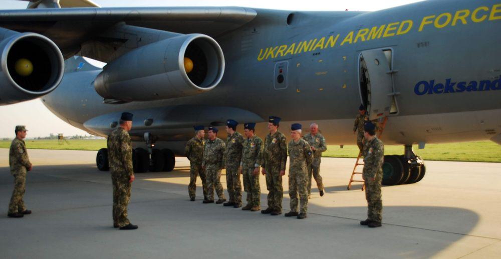 Ukraїnśki ľotčyky povernulysja iz operaciї na Grenlandiї