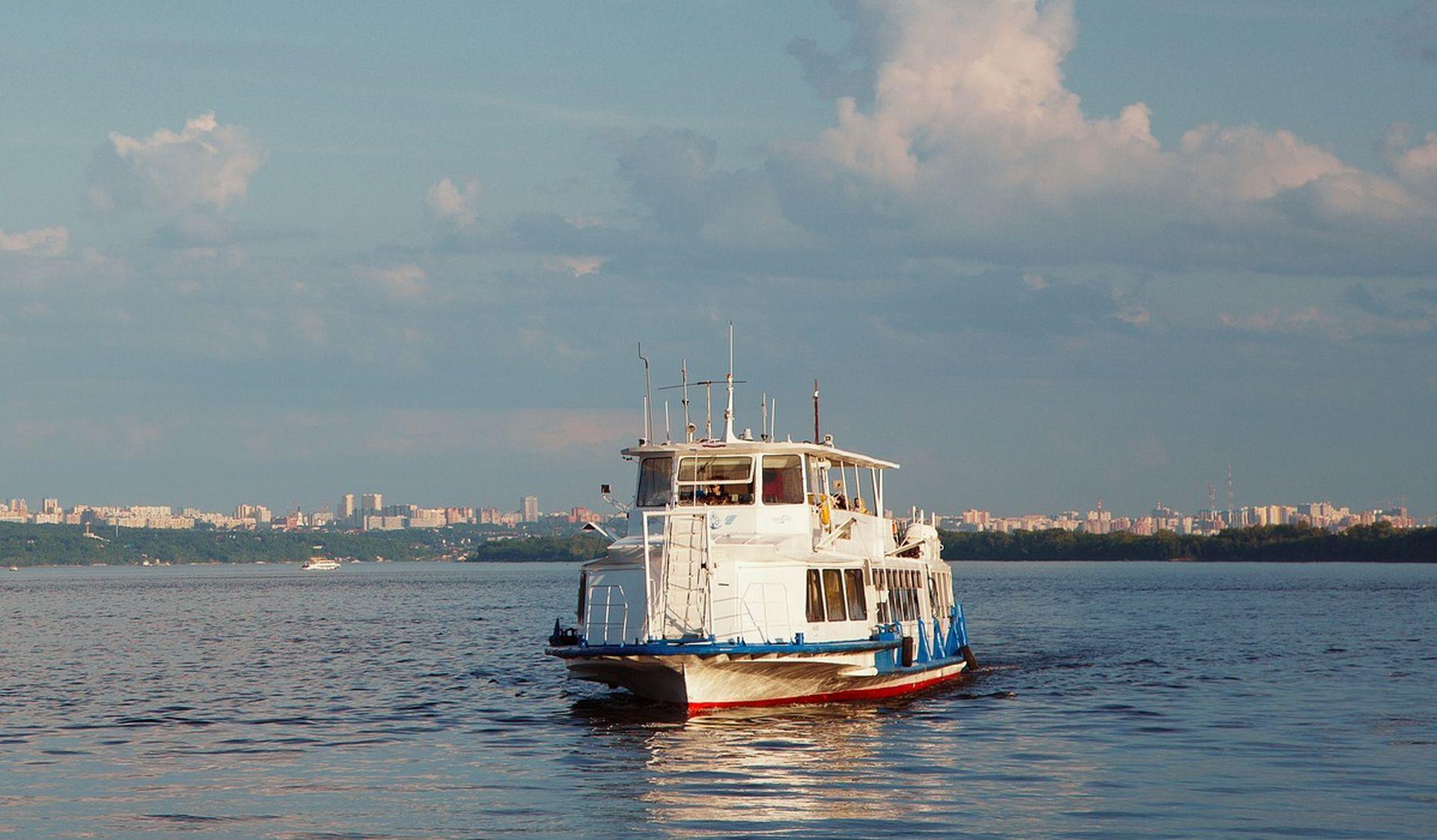 Київський річковий порт запускає новий маршрут до Межигір'я