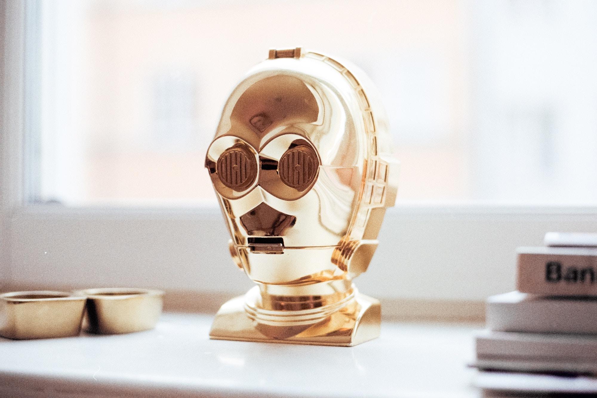 Нештучний інтелект: Як AI-стартапи використовують людей замість технології
