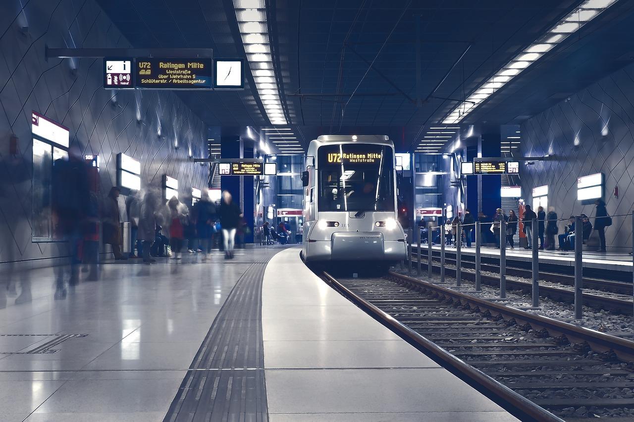 В київському метро показуватимуть вулиці, які проїжджають пасажири