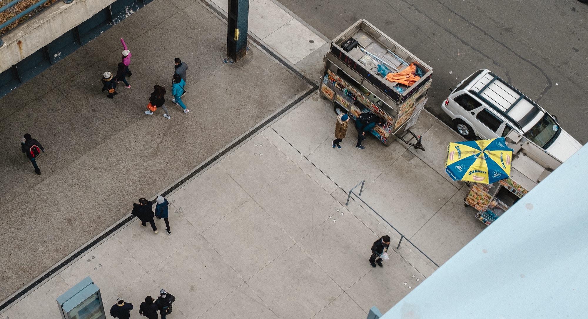 Z ukraїnśkyh trotuariv pryberuť kiosky ta bilbordy