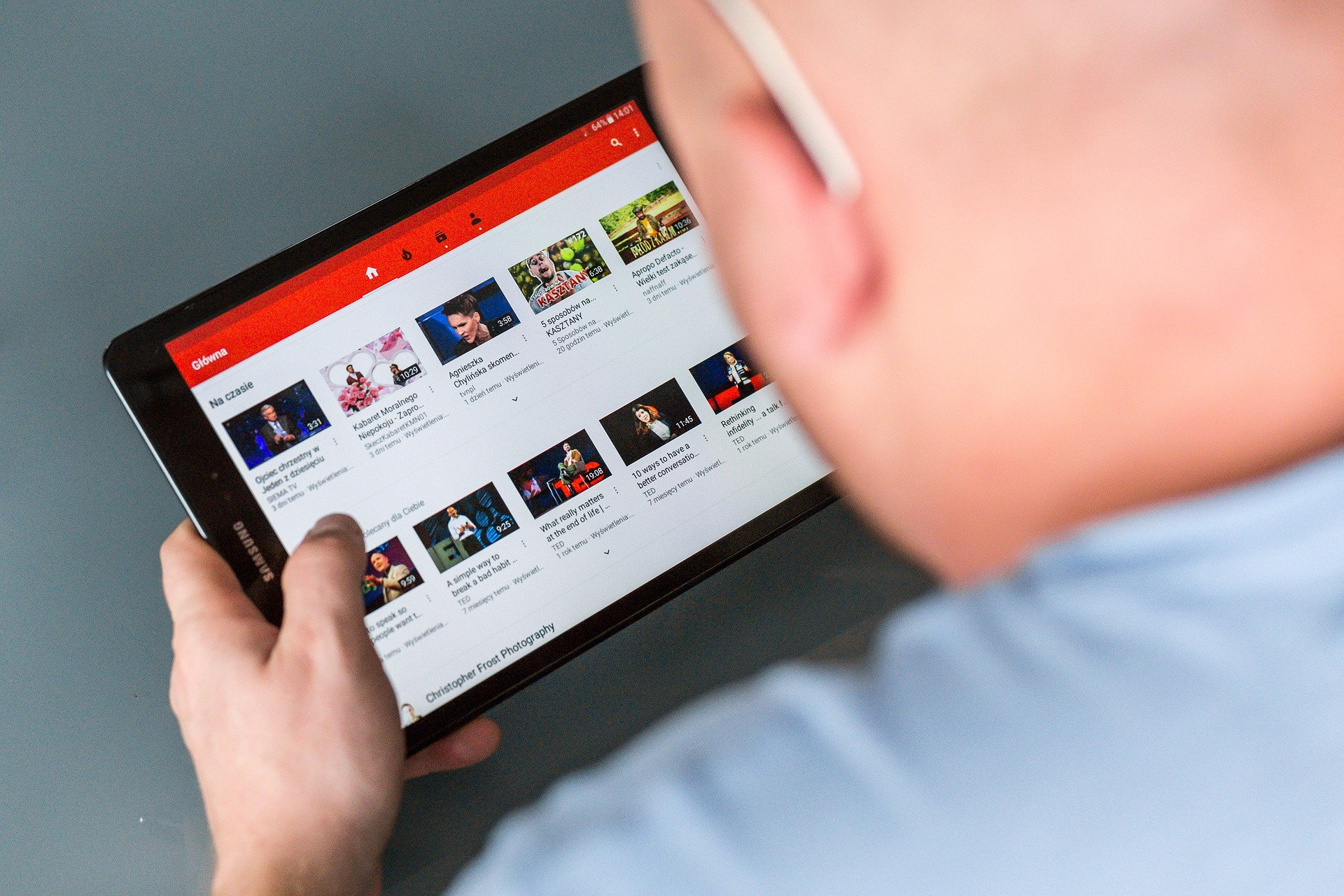 YouTube vytratyť $25 mln na boroťbu iz fejkovymy novynamy